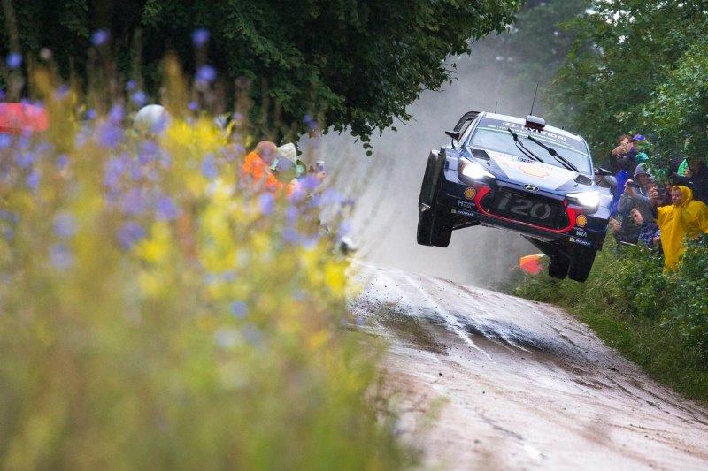 WRC Рели Полска  Неизвесна борба помеѓу Невил и Танак